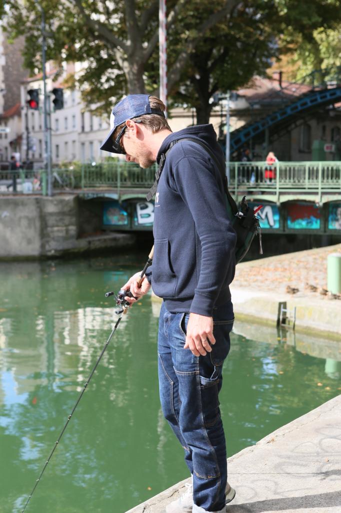 Street-fishing