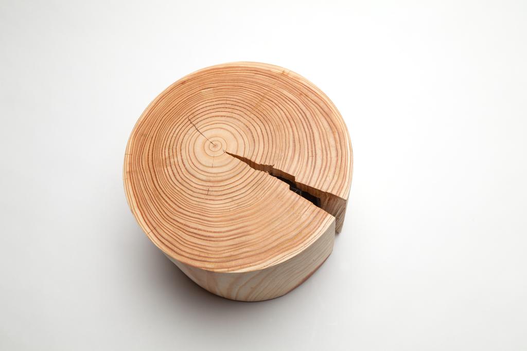 Clock, le travail du bois par le designer Raphaël Charles