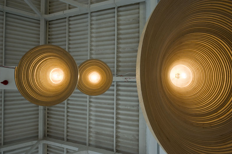 Twisted Lights, le travail du bois du designer Erwin Zwiers