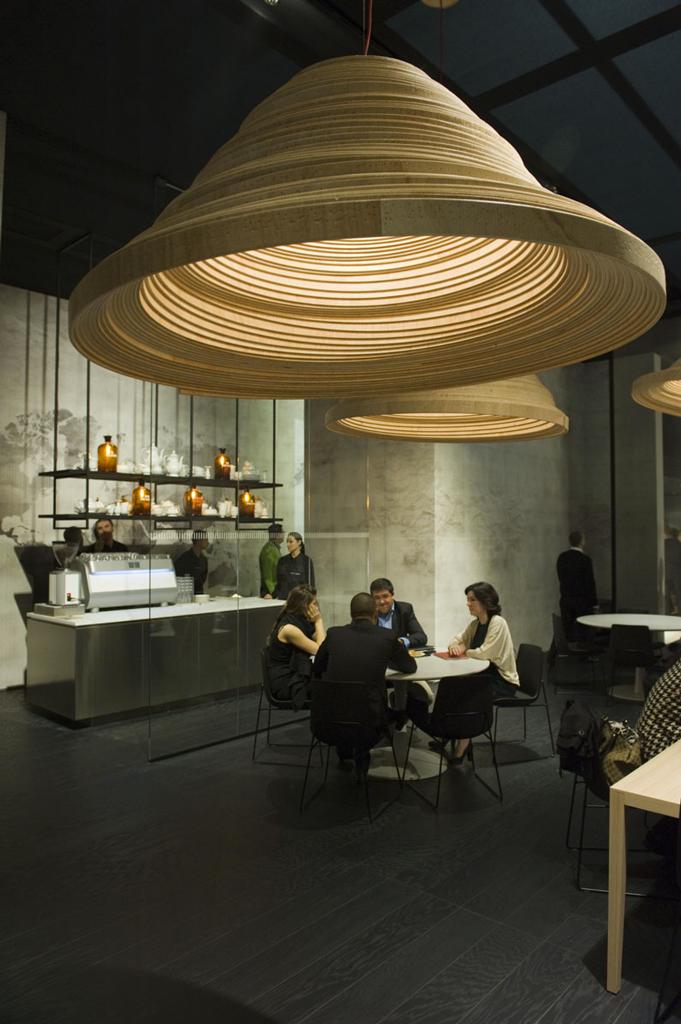 Twisted Lights, le travail du bois du designer Erwin Zwiers
